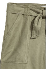 Linen-blend shorts - Khaki green - Ladies | H&M CN 3