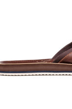 Flip-flops - Cognac brown - Men | H&M 4