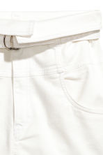 High-waisted twill shorts - White - Ladies | H&M CN 4