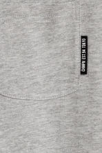 T-shirt with a chest pocket - Grey marl - Kids | H&M CN 3