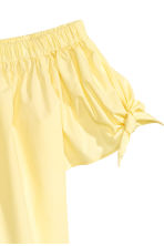 Off-the-shoulder blouse - Light yellow - Ladies | H&M 3
