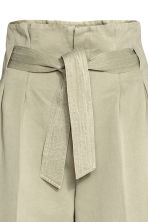 Wide trousers with a belt - Light khaki - Ladies | H&M GB 3