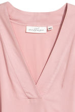 V-neck dress - Light pink - Ladies | H&M 3