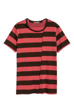 Striped T-shirt - Black/Red/Striped - Men | H&M CN 2