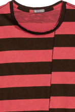 Striped T-shirt - Black/Red/Striped - Men | H&M CN 3