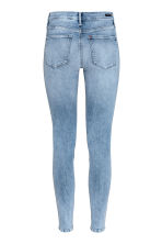 Shaping Skinny Regular Jeans - Azul denim claro - MUJER | H&M ES 3