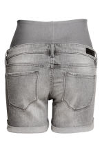 MAMA Denim shorts - Grey denim - Ladies | H&M 3
