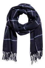 Wool scarf - Dark blue/White checked - Men | H&M CN 1