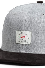 Cap with appliqué - Light grey marl - Men | H&M 3