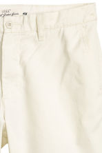 Chino shorts - Natural white - Men | H&M CN 3