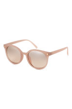 Sunglasses - Powder beige - Ladies | H&M 1