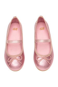 Ballet pumps with strap