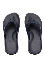 Flip-flops - Dark blue - Men | H&M CA 2