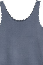 Vest top with scalloped edges - Pigeon blue - Ladies | H&M 3