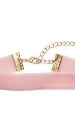 Velvet choker - Light pink - Ladies | H&M 2