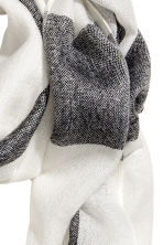Woven scarf - Grey/Checked - Ladies | H&M 3
