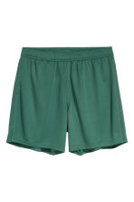 Sports shorts - Green - Men | H&M 2