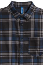 Checked flannel shirt - Dark blue/Grey - Men | H&M 2