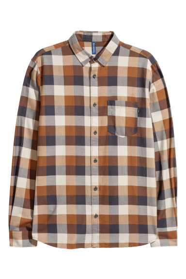 Checked flannel shirt Model