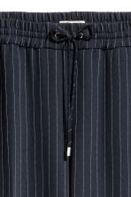 H&M+ Pull-on trousers - Dark blue/Pinstriped - Ladies | H&M GB 3