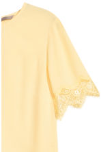 H&M+ Crêpe top - Light yellow - Ladies | H&M CN 3