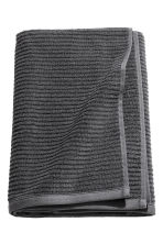 Bath towel - Dark grey - Home All | H&M IE 1