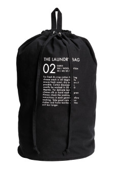 Wall-hanging laundry bag