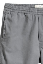 Short cotton twill shorts - Grey - Men | H&M CN 4