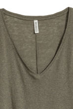 V-neck jersey top - Dark khaki green - Ladies | H&M CN 3
