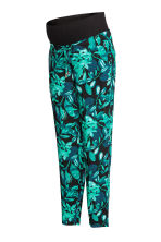 MAMA Patterned trousers - Black/Leaf - Ladies | H&M 2