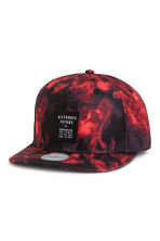 Patterned twill cap - Red/Patterned - Men | H&M CN 1