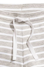 柔軟平紋短褲 - Light grey/Striped -  | H&M 2