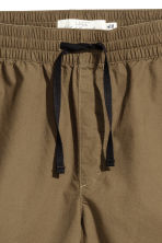 Knee-length cotton shorts - Khaki - Men | H&M 3