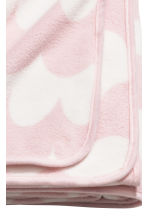 Fleece blanket - Light pink/Patterned - Home All | H&M GB 2