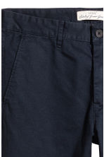 Cotton chinos Skinny fit - Dark blue - Men | H&M 4