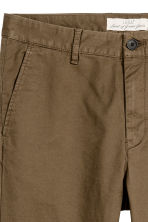 Cotton chinos Skinny fit - Khaki brown - Men | H&M 3