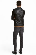 Relaxed Skinny Jeans - Dark grey washed out - Men | H&M 4