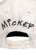 Cap with a print motif - Light beige/Mickey Mouse - Kids | H&M 3