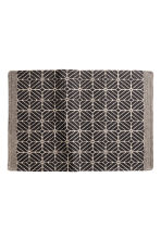 Patterned bath mat - Natural white/Anthracite grey - Home All | H&M CN 1