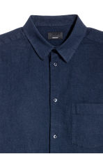 Linen-blend shirt Regular fit - Dark blue - Men | H&M 3
