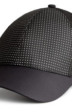 Reflective sports cap - Black - Ladies | H&M CN 3
