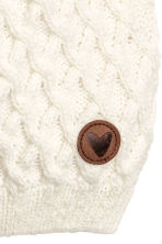 Textured-knit hat - Natural white -  | H&M 2