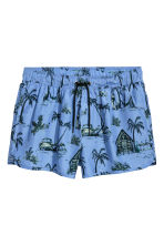 Short swim shorts - Sky blue/Palms - Men | H&M CN 2