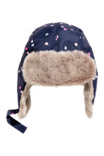 Hat with earflaps - Dark blue/Hearts - Kids | H&M CN 1