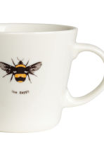 Porcelain mug with motif - White/Bee - Home All | H&M CA 2