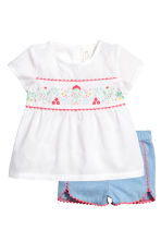 Blouse and shorts - White/Blue - Kids | H&M CN 1