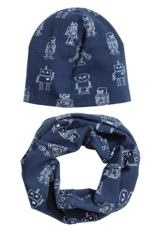 Set. scarf+hat