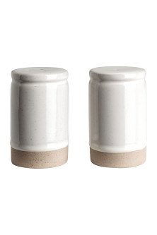 Stoneware salt and pepper set