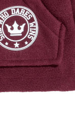 Fleece jacket with a hood - Burgundy - Kids | H&M CN 2