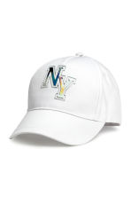 Cap with an appliqué - White -  | H&M CA 1